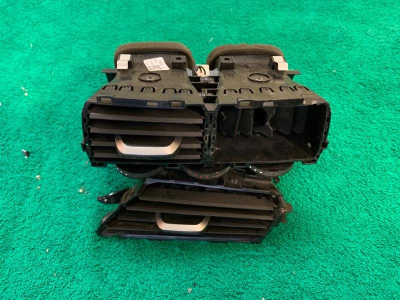 Дефлектор воздушный Bmw 5-Series G30 B48B20B 2019