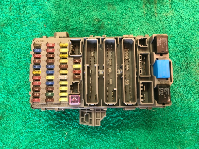 Блок предохранителей Honda Crv 3 2.4 АКПП 2008