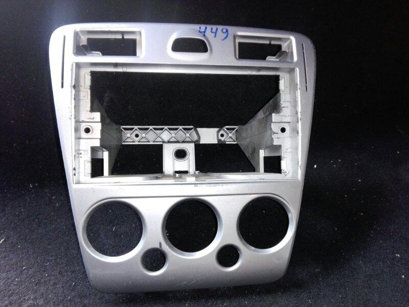 Рамка магнитолы Ford Fusion 2002