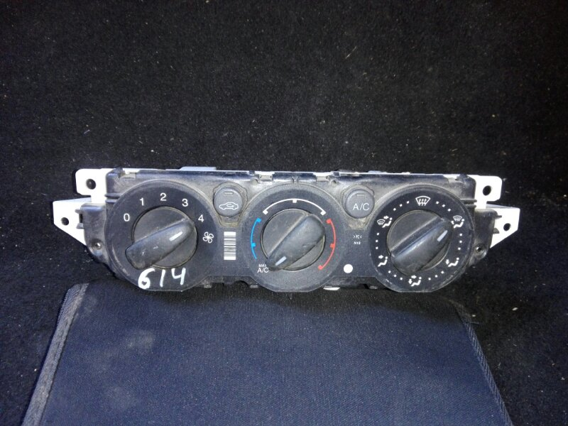 Блок управления кондиционером Ford Focus 2 2008