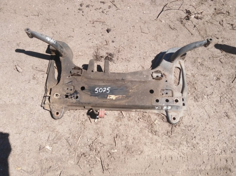 Подрамник Ford Fusion 2002