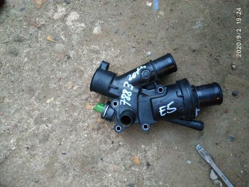 Корпус термостата Ford Kuga 1 CBV 2.0 ДИЗЕЛЬ 2012