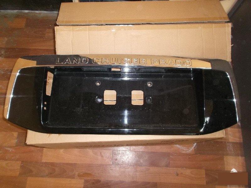 Накладка 5-й двери Toyota Prado 150