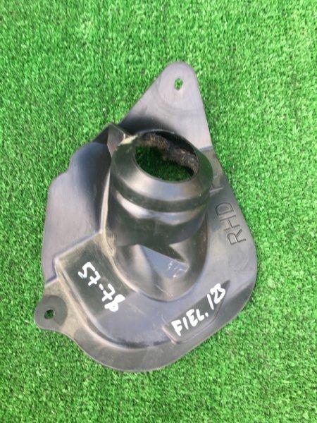Пыльник рулевой колонки Toyota Corolla Fielder ZZE123G 2ZZ-GE 2001 передний
