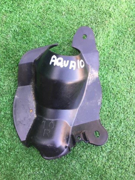 Пыльник рулевой колонки Toyota Aqua NHP-10 1NZFXE 2012