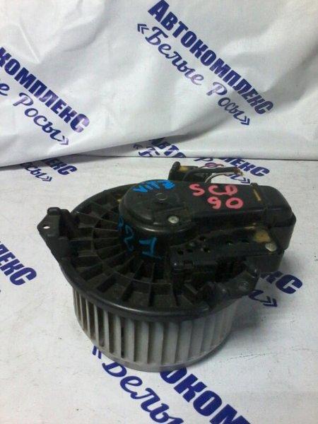 Мотор печки Toyota Vitz SCP90 2SZFE 2005