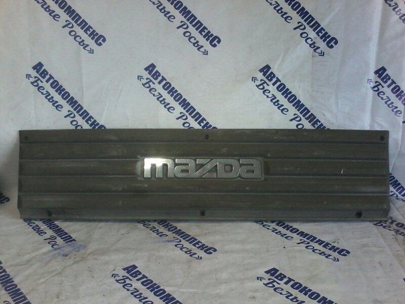 Решетка радиатора Mazda Bongo SE28M передняя