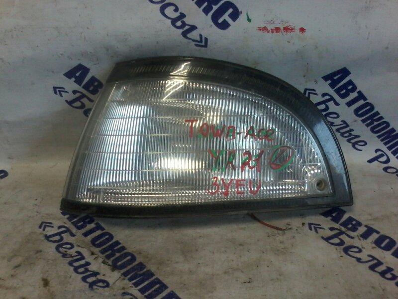 Габарит Toyota Town Ace YR21 3YEU передний левый