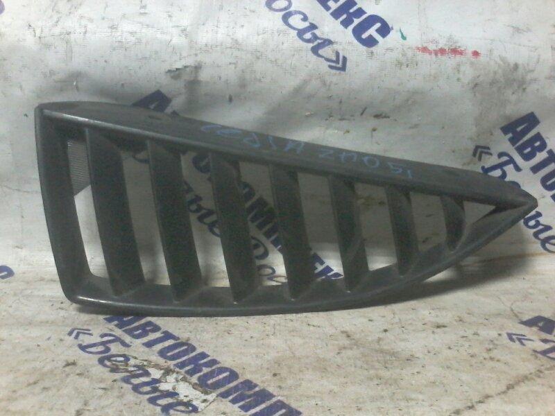 Решетка радиатора Mitsubishi Lancer Cedia CS2A 4G15 2000 передняя левая