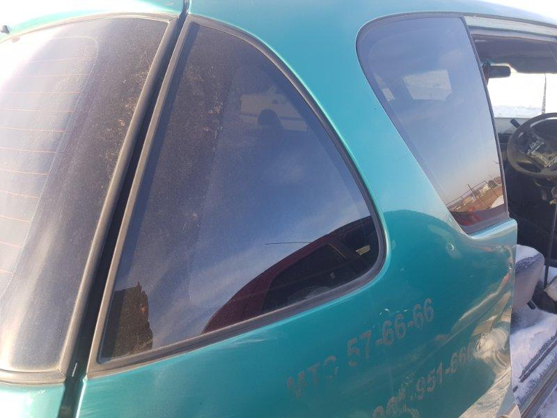 Стекло багажника Toyota Ipsum SXM10 3SFE 1996 заднее правое