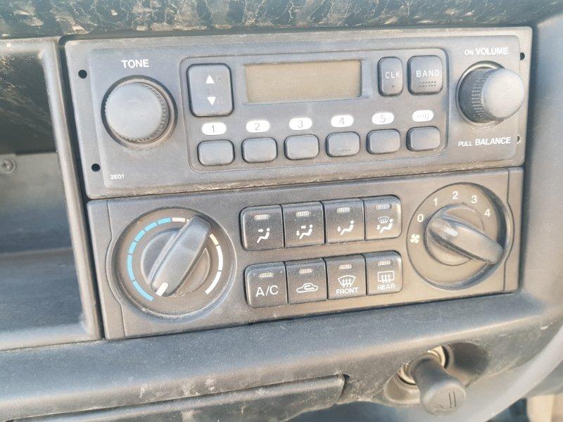 Блок управления климат-контролем Nissan Vanette SK82VN F8 2010 передний