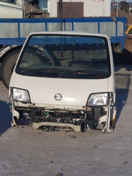 Пластик под дворники Nissan Vanette SK82VN F8 2010 передний