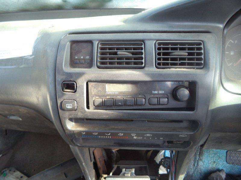 Центральная консоль Toyota Corolla EE102 1NZFE передняя