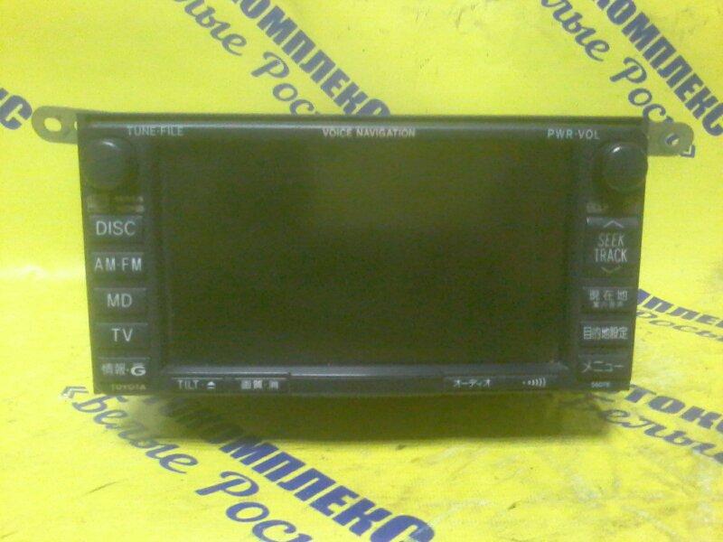 Магнитофон Toyota Isis ZNM10 1ZZFE 2004 передний