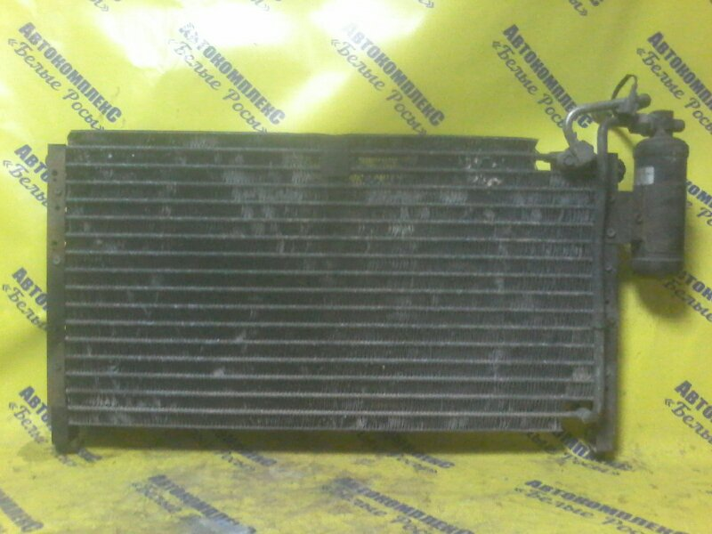 Радиатор кондиционера Nissan Datsun BD21 TD27 передний