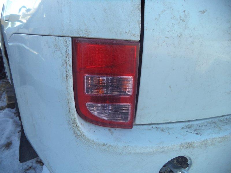 Стоп-сигнал Toyota Isis ZNM10 1ZZFE 2004 задний левый