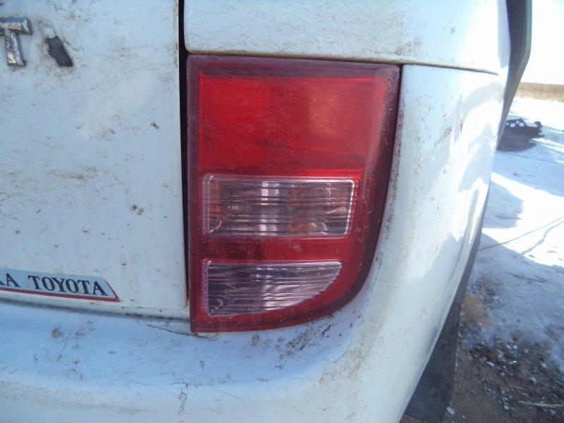 Стоп-сигнал Toyota Isis ZNM10 1ZZFE 2004 задний правый