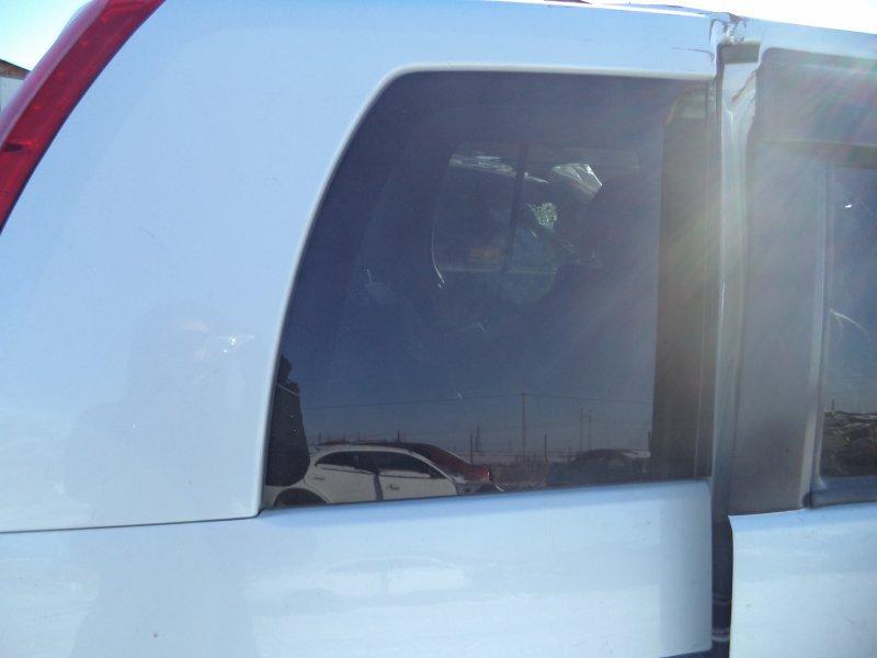 Стекло багажника Toyota Isis ZNM10 1ZZFE 2004 заднее правое