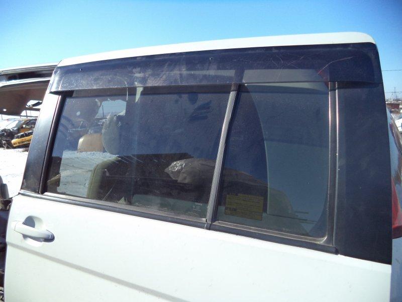 Стекло двери задней Toyota Isis ZNM10 1ZZFE 2004 заднее левое