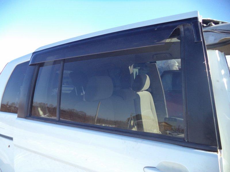 Стекло двери задней Toyota Isis ZNM10 1ZZFE 2004 заднее правое