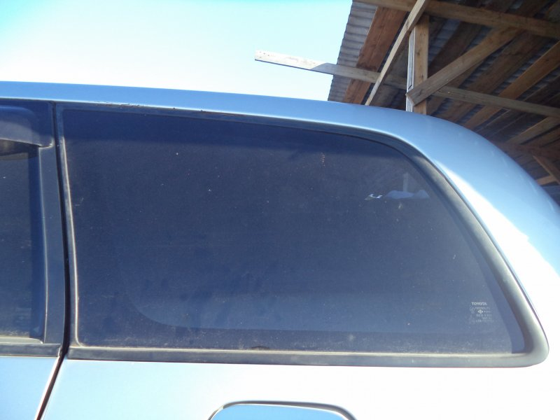 Стекло багажника Toyota Corolla Fielder NZE121 1NZFE 2003 заднее левое