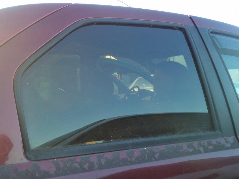 Стекло двери задней Renault Logan LS0G K7J 2005 заднее правое