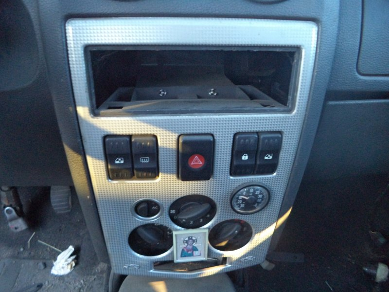 Блок управления климат-контролем Renault Logan LS0G K7J 2005 передний