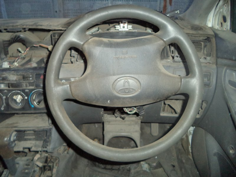Руль Toyota Corolla NZE121 1NZFE 1997 передний