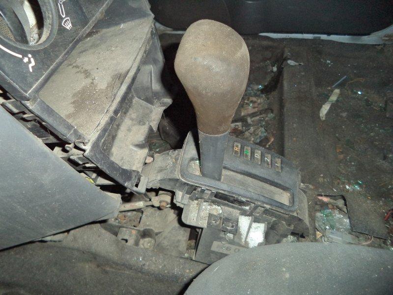 Селектор акпп Toyota Corolla NZE121 1NZFE 1997 передний