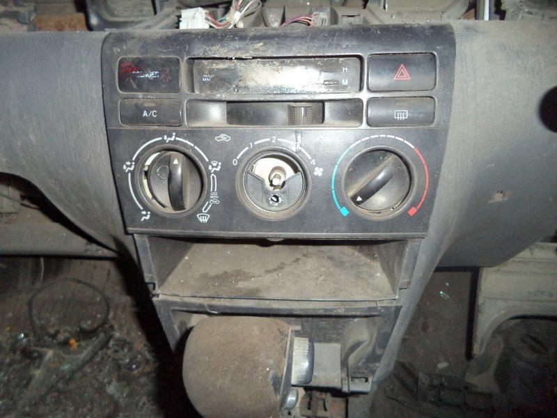 Блок управления климат-контролем Toyota Corolla NZE121 1NZFE 1997 передний