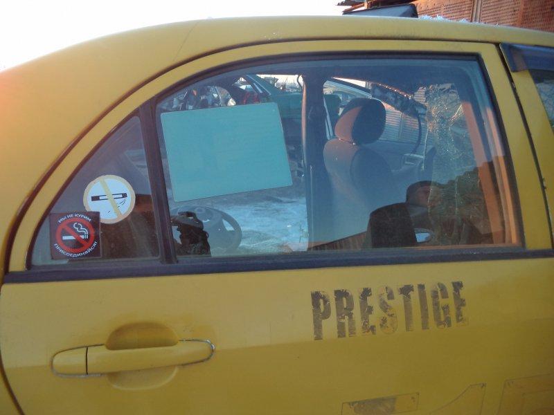 Стекло двери задней Toyota Corolla NZE121 1NZFE 1997 заднее правое