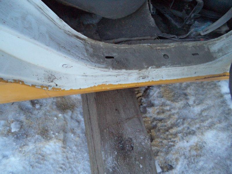 Порог Toyota Corolla NZE121 1NZFE 1997 правый