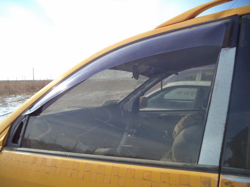 Стекло двери передней Toyota Ipsum SXM10 3SFE 1997 переднее левое