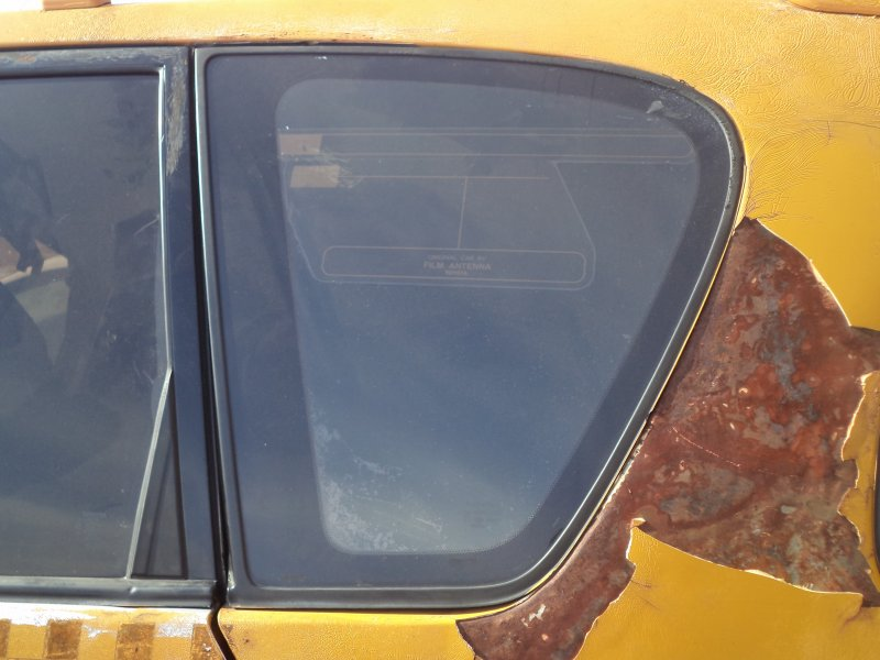 Стекло багажника Toyota Ipsum SXM10 3SFE 1997 заднее левое