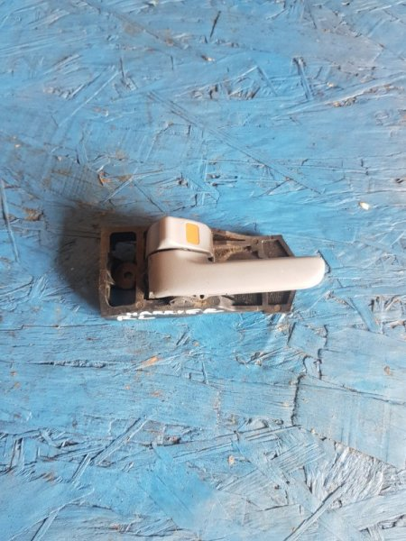 Ручка двери внутренняя Toyota Harrier MCU10 1MZFE 1997 задняя левая