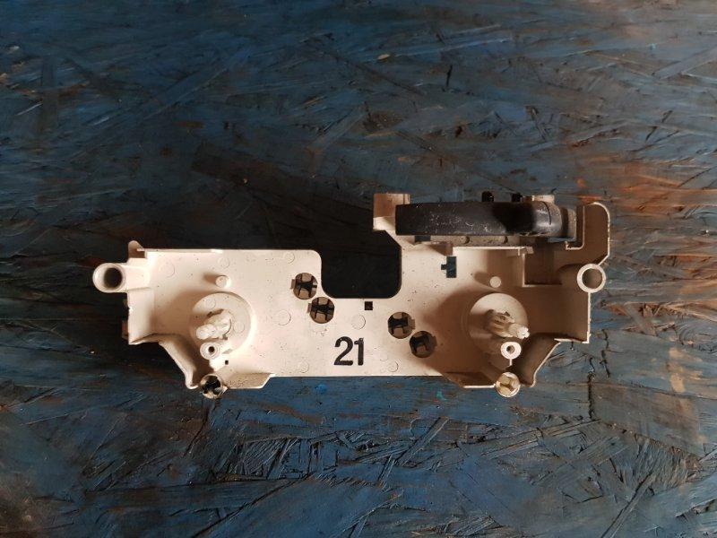 Блок управления климат-контролем Toyota Probox NCP50 1NZFE 2008 передний