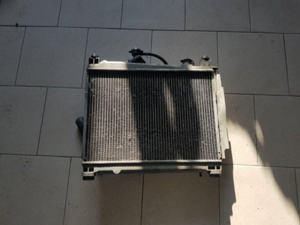 Радиатор охлаждения двигателя Toyota Funcargo NCP20 1NZFE 2000 передний