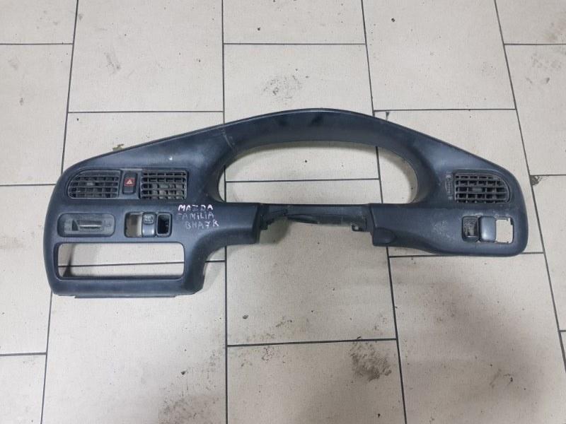 Консоль панели приборов Mazda Familia BHA7R 4EE1T 1995 передний