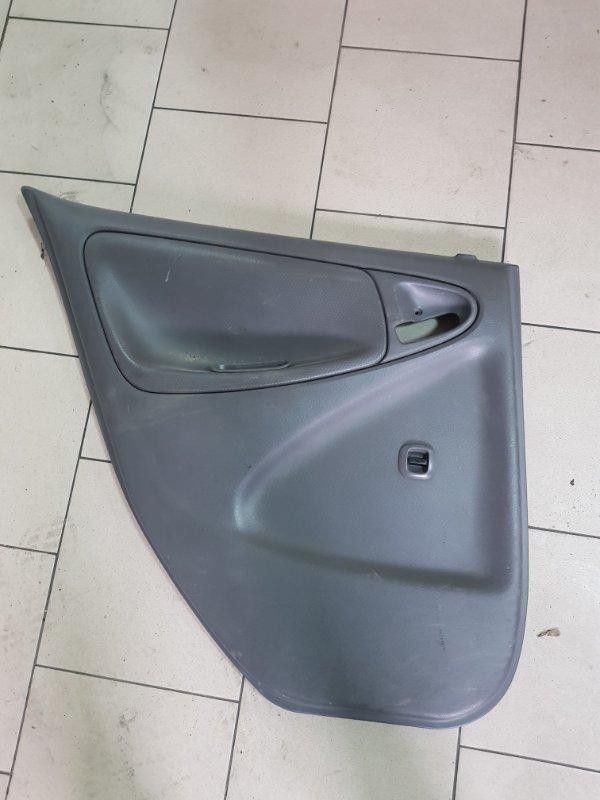 Обшивка двери Toyota Platz SCP12 1SZFE 2000 задняя левая