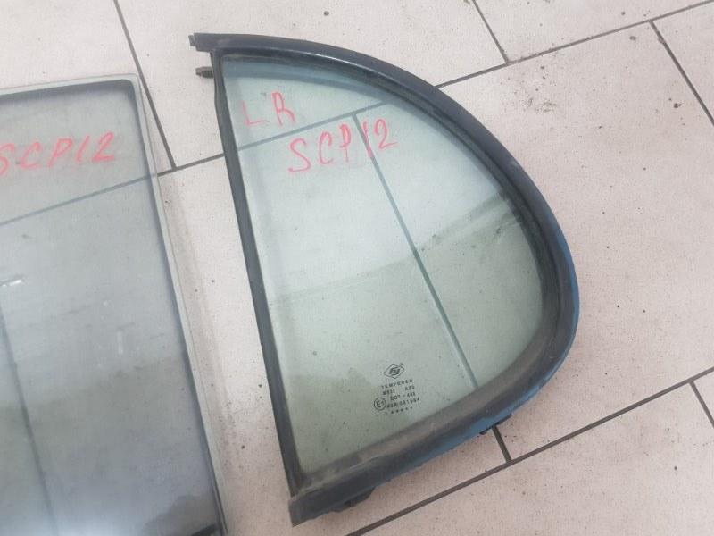 Стекло двери Toyota Platz SCP11 1SZFE 2000 заднее левое