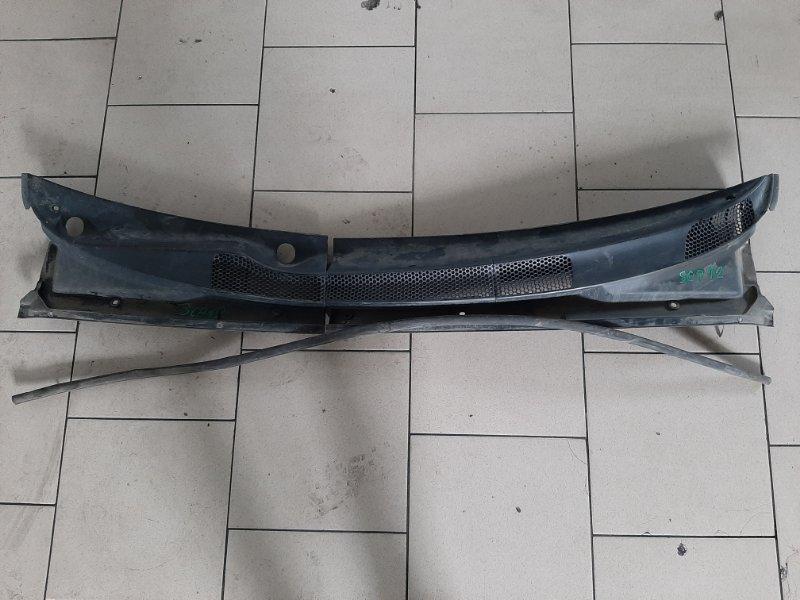 Пластик под дворники Toyota Platz SCP12 1SZFE 2000 передний