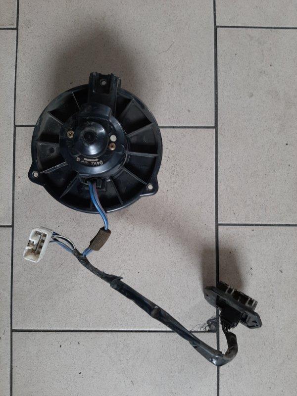Мотор печки Toyota Platz SCP12 1SZFE 2000 передний