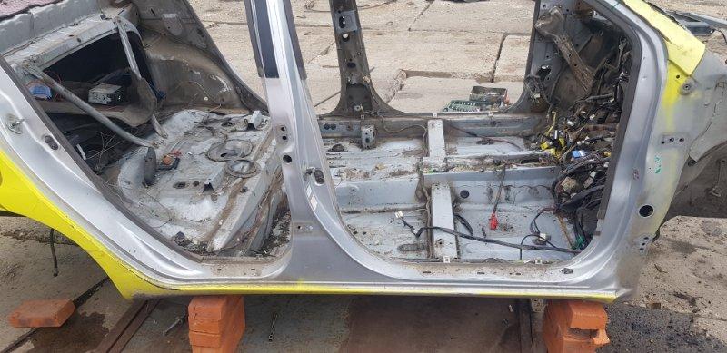 Порог Toyota Platz SCP12 1SZFE 2000 правый