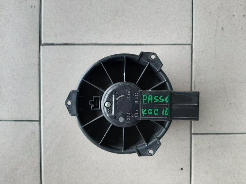 Мотор печки Toyota Passo KGC10 1KR 2002 передний