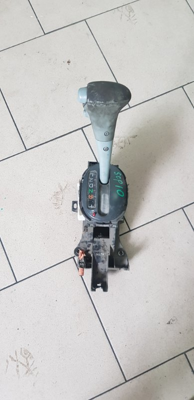 Селектор акпп Toyota Vitz SCP10 1SZFE 2000 передний
