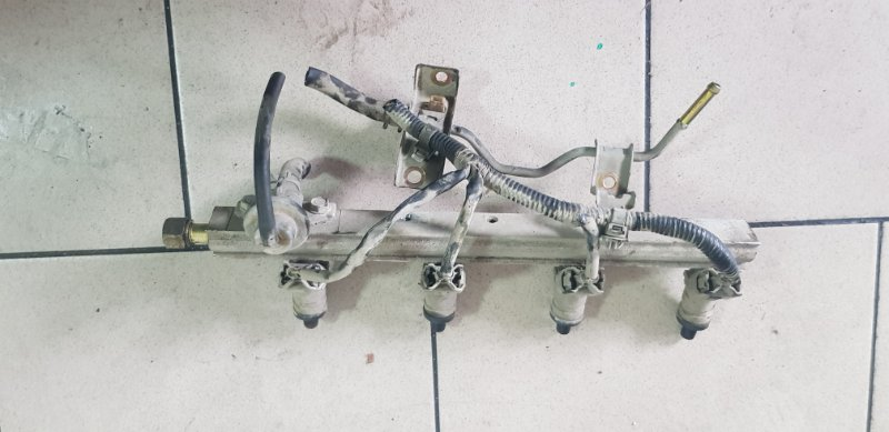 Топливная рейка Honda Partner EY7 D15B 1999 передняя