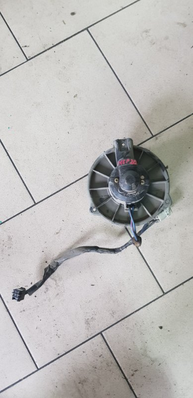 Мотор печки Toyota Funcargo NCP21 1NZFE 2000 передний