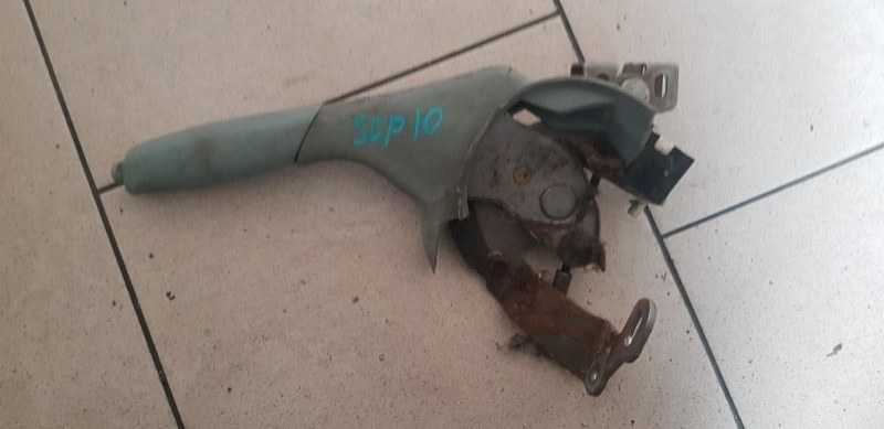 Ручка ручника Toyota Vitz SCP10 1SZFE 2000 передняя
