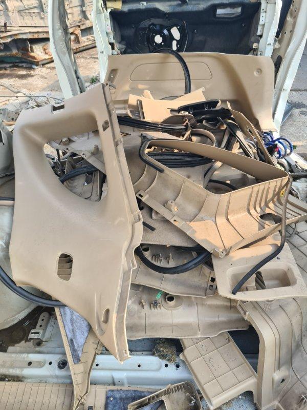 Пластик салона Daewoo Winstorm KLACA26RD7B012026 Z20S1 2007 передний