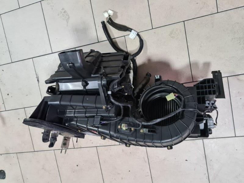 Корпус печки Daewoo Winstorm KLACA26RD7B012026 Z20S1 2007 передний